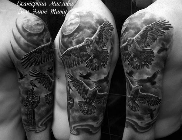 Татуировки на плече черные