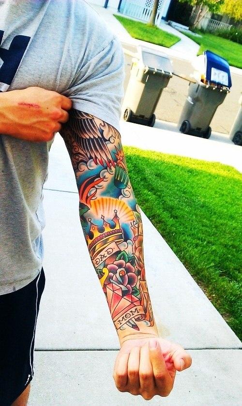 Фото цветного тату на руке