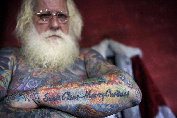 татуированный старик